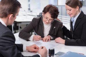 Как оформить договор дарения с помощью нотариуса