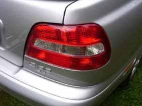 Владелец автомобиля не ставит его в ГИБДД