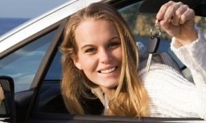 Девушка, которой удалось взять авто в лизинг без первоначального взноса