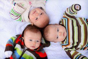 Материнский капитал за 3 ребенка в Санкт-Петербурге, Свердловской области и др регионах