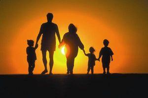Пособия и льготы для опекунов над ребенком
