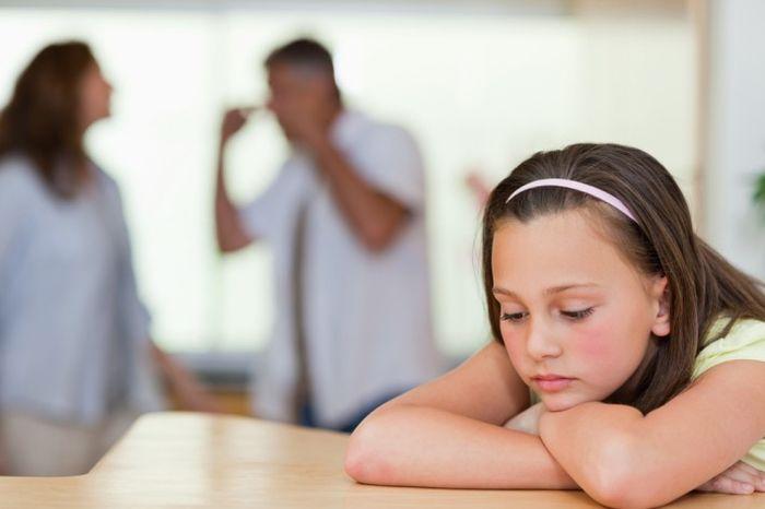 Кто имеет право на оформление опекунства над ребенком при живых родителях