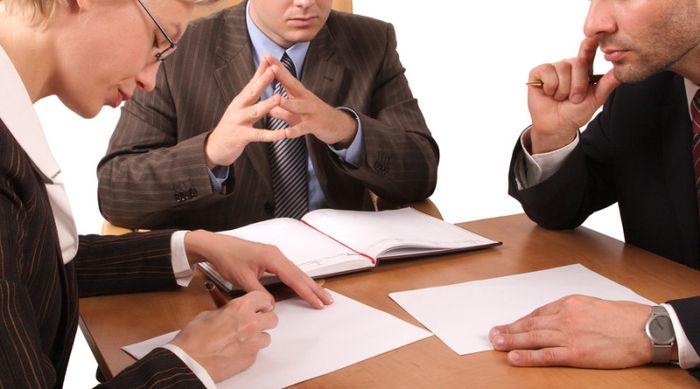 Какая информация должна быть указана в согласии супруга на покупку недвижимости