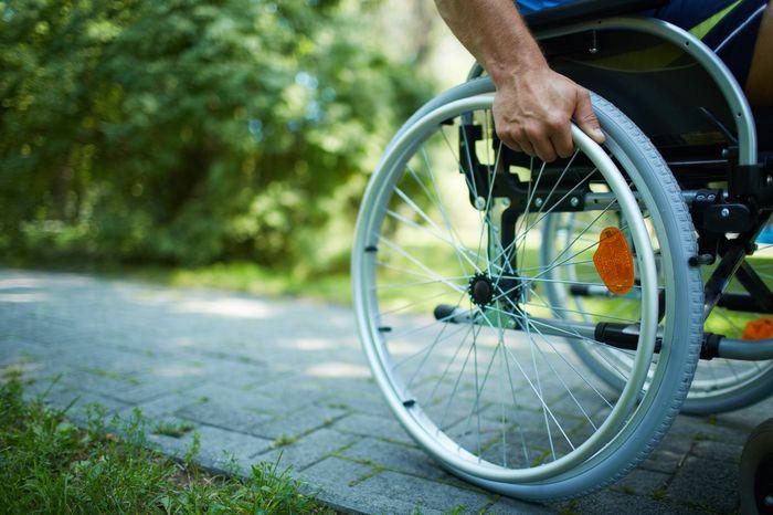 Законы РФ о правилах выплаты трудовой пенсии по инвалидности