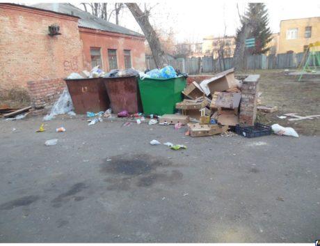 Жалоба на магазин по поводу не вывоза мусора