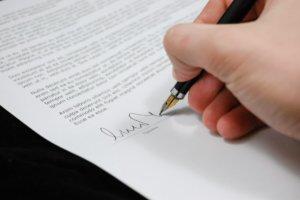 Что делать, если трудовой договор не оформлен надлежащим образом