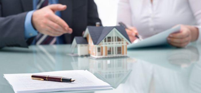 Расчеты между сторонами купли-продажи дома с земельным участком