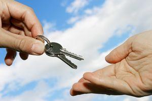 как снять квартиру чтоб не обманули