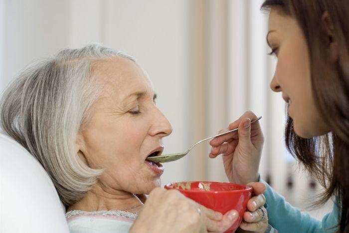 Обязанности помощника, оформившего патронаж над пожилым человеком