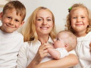 Правила оформления пособия при рождении третьего ребенка в регионах