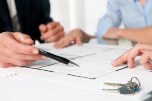 Справка о регистрации по месту жительства потребуется во многих жизненных ситуациях, к примеру: при любых операциях с недвижимостью или устройстве на работу