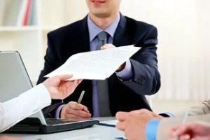 Справки о регистрации выдаются не только по требованию владельцев квартир, но и различных государственных или юридических органов