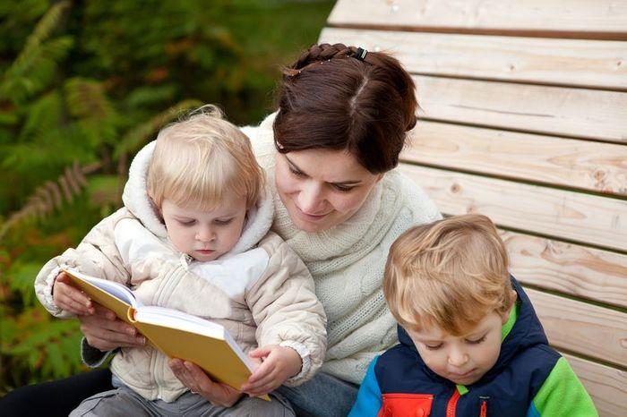 Выплаты опекунам над ребенком в регионах РФ