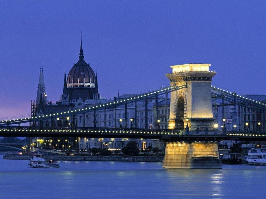 Венгрия мост
