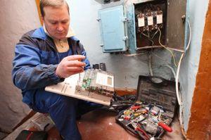 Замена приборов учета специалистами энергосбытовой компании